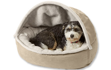With a snug bolster and cozy fleece, this Burrower Bed is all about your dog's comfort.