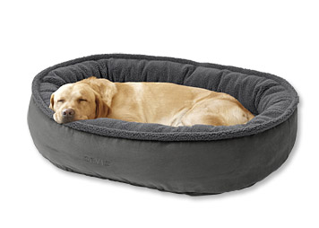 Our wraparound dog bed gets plush comfort from fleece and supportive cushion from memory foam.
