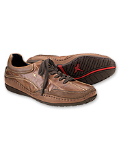 You'll get all day style and comfort in these attractive men's walking shoes.