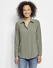 Our Long-Sleeved Everyday Silk Shirt promises uncomplicated elegance in a wardrobe essential.