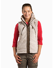 Soft, warm fleece and ski lodge-inspired style converge in the cozy FLIGHT Vest by KÜHL.
