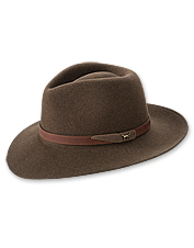 Discover the timeless style of our wool fedora hat.