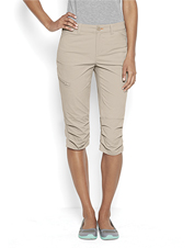Our quick-drying capri-length Jackson pants offer pliant stretch for all-day comfort.