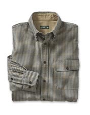 Casual gatherings call for the versatility of our smart Spencer houndstooth button-down shirt.