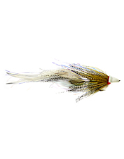 This streamer fly grabs the attention of fresh and saltwater species.