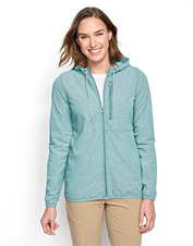 Shield your skin from the sun in our lightweight UPF 40 Hooded Open Air Caster fishing shirt.