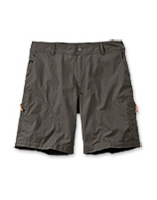 Made of breathable cotton and tough nylon, these men's technical shorts are adventure-ready.