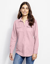 Our garment-dyed linen-blend camp shirt boasts an incredibly soft hand and convertible sleeves.