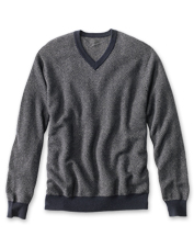 The broken-herringbone pattern gives a classic look to this luxurious cashmere sweater.