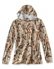 For a hunting day—or any active day—reach for this camo-printed drirelease hoodie.