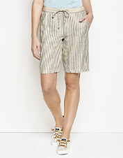 Kick back in comfort wearing these cool, breathable Orvis Performance Linen Striped Shorts.