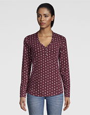 The velvety-soft Classic Cotton Printed Henley Tee is simply a delight to wear.