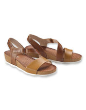 Pikolinos is known for delivering style and quality—you'll find both in the Mohon Sandal.