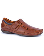 Fine leather makes the Puerto Rico Shoes from Pikolinos as polished as they are comfortable.