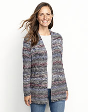 A luxurious Peruvian alpaca wool blend makes our blanket cardigan soft and warm.