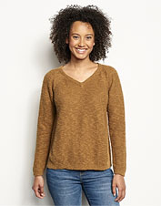 Our Easy V-Neck Sweater offers an unimpeded silhouette in a breezy, lightweight linen blend.