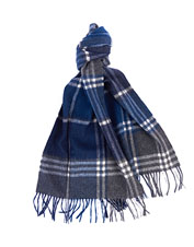 A soft lambswool and cashmere blend makes the Barbour Kindar your must-have scarf this winter.