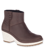 The leather Halendi Bluff Bootie from Merrell offers impressive design, comfort, and stability.