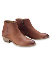 The Carson showcases Frye's familiar piping for timeless appeal in a Western bootie.