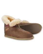 Pure sheepskin makes these Shepherd of Sweden Bella Slippers warm and wonderful.