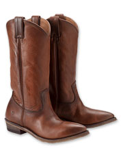 The leather Billy Pull-On Boot is an exemplar of Frye's dedication to quality and comfort.