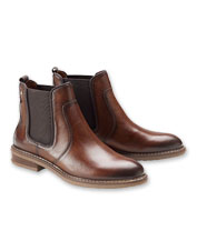 These hand-burnished leather ankle boots are proof positive of Pikolinos quality.