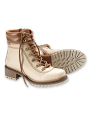 Top-quality materials and classic good looks make the Pikolinos Aspe Lace-Up Boots shine.