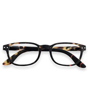 IZIPIZI Reading Glasses #B offer a timeless silhouette and lightweight but sturdy construction.
