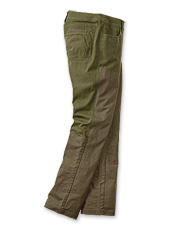 These women's hunting pants provide a comfortable fit and maximum protection.