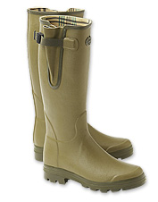 Work and explore outdoors in the waterproof comfort of this Le Chameau men's Wellington boot.