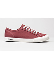 Casual and hip, these SeaVees women's lace-up sneakers nod to a late-60s California vibe.