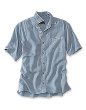 The hemp/Tencel blend in our men's short-sleeved shirt delivers cool, lightweight comfort.