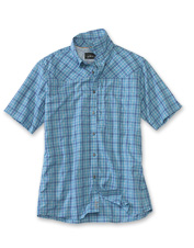 This winsome men's short-sleeved shirt is loaded with smart performance features.