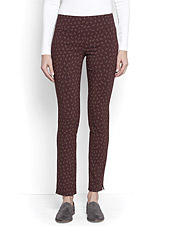 A subtle print and a comfortable fit—these Slim Stretch Ankle Pants are anything but ordinary.