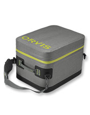 Keep all your gear safe and dry in this well-appointed Orvis nylon boat bag.