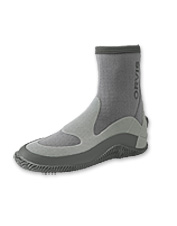 We updated a customer favorite with the improved features in this men's rubber flats boot.