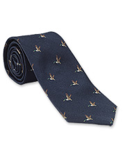 The duck print on the Game Tie by Laksen brings a bit of hunting tradition to your wardrobe.
