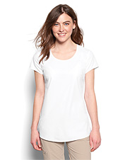 Negotiate the rigors of travel with aplomb wearing this elegant women's short-sleeved shirt.