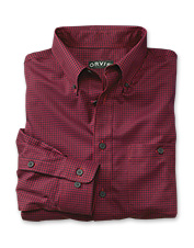 Stay sharp throughout the day in our men's wrinkle free dress shirt.