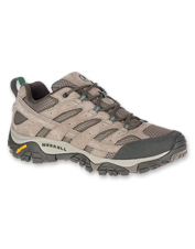 These Moab 2 Vent Low Hikers by Merrell deliver all-day stability and support on the trail.