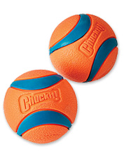 Lob these exceptionally bouncy dog tennis balls with the Chuckit! launcher for hours of fun.