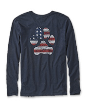 Show your loyalty to dog and country wearing this cheerful long-sleeved graphic T-shirt.