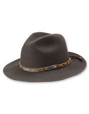 This wool Lone Peak Rancher Felt Hat slicks away rain and keeps the sun off your face.
