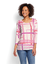 This three-quarter sleeved tunic boasts drytex cotton-blend fabric and UPF 15 sun protection.