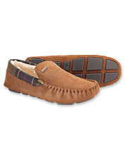 Reach for these comfortably lined, ruggedly built suede Monty moccasin slippers by Barbour®.