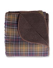 Your dog deserves classic Barbour tartan and cozy Sherpa fleece in his favorite blanket.