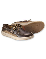 Get traction on the deck or streetside in the Gold Cup Gamefish 3-Eye boat shoe by Sperry.