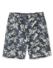 These vintage-style Big Island Shorts stand out with a nostalgic tropical print.