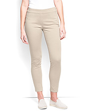 Sleek sateen and a smooth, flattering fit make our stretch capris your go-to all summer long.