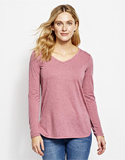 This long-sleeved tee in a linen blend promises performance without skimping on style.